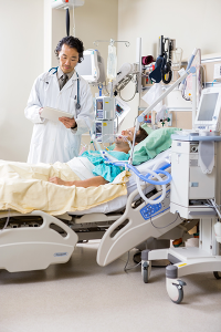 hosptial canstockphoto16671639 600x400